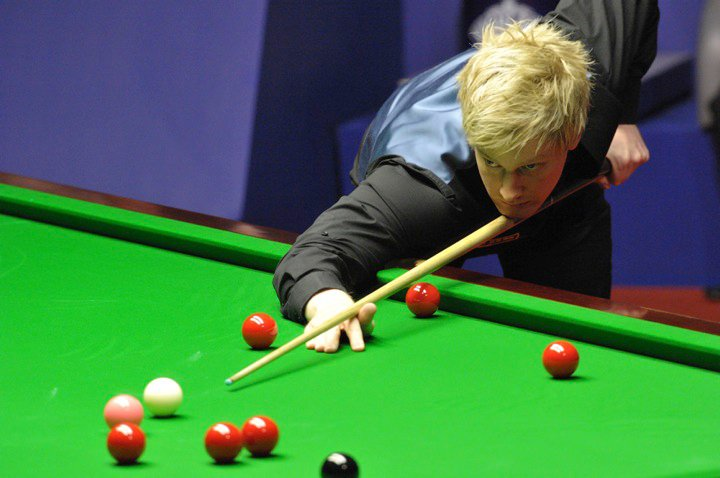 Neil Robertson playing a shot in the World Championship final